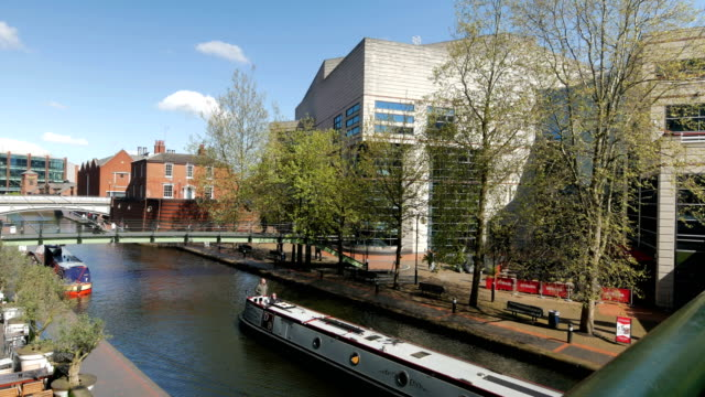 brindley place, birmingham. - canale video stock e b–roll