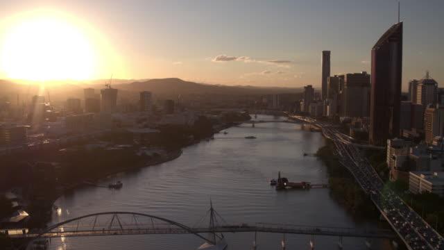 stockvideo's en b-roll-footage met brisbane river, brisbane city, queensland, australië - financieel district