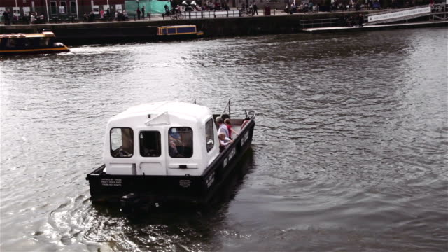 Bristol ferry heading to SS great britain video