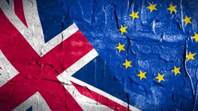 storbritannien och eu blandade flagga. brexit processen relativa - brexit bildbanksvideor och videomaterial från bakom kulisserna