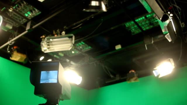 broadcasting studio grön skärm - studiofotografi bildbanksvideor och videomaterial från bakom kulisserna