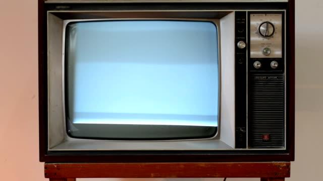 티브이 broke) - hd 포맷 스톡 비디오 및 b-롤 화면