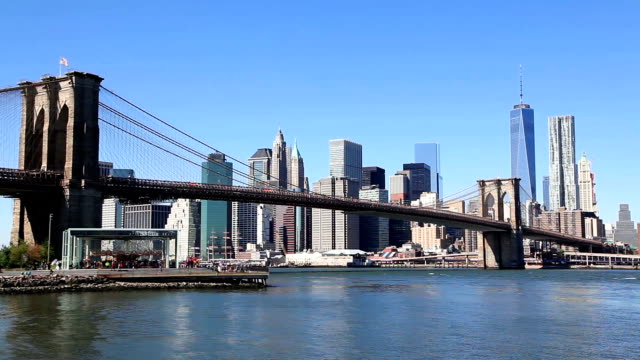 Brooklyn Bridge and Manhattan video