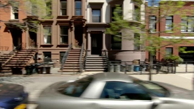 vidéos et rushes de brooklyn xxv série synchronisé vue gauche conduite studio plaque de process - vue latérale