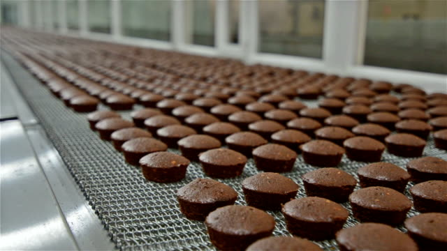 Brownie baking production plant video