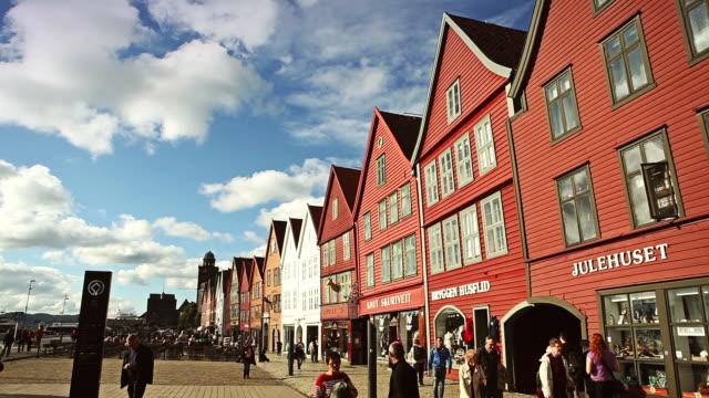 vídeos y material grabado en eventos de stock de bryggen old town in bergen - bergen