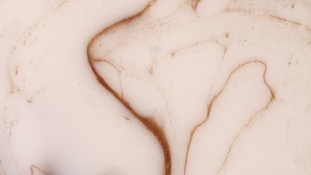 bubblor av akryl färg och olja - marble bildbanksvideor och videomaterial från bakom kulisserna