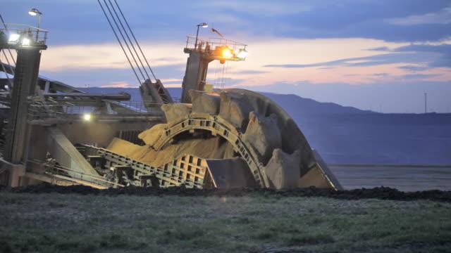 bucket wheel excavator - ekipman stok videoları ve detay görüntü çekimi