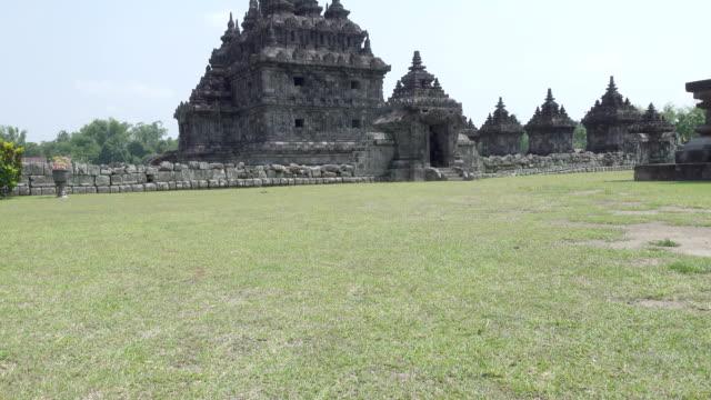 magelang, merkezi java, endonezya budist tapınağı - stupa stok videoları ve detay görüntü çekimi