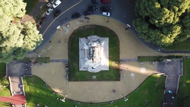 buenos aires bartolome mitre monument aerial view - costume tradizionale video stock e b–roll