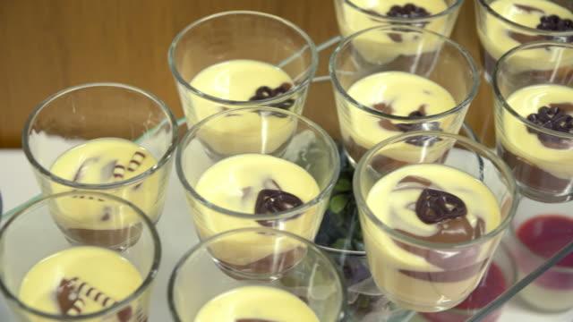 buffet: the dessert Jell-o white chocolate. video