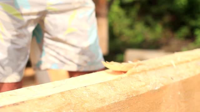 ログの家を建てる - 田舎のライフスタイル点の映像素材/bロール