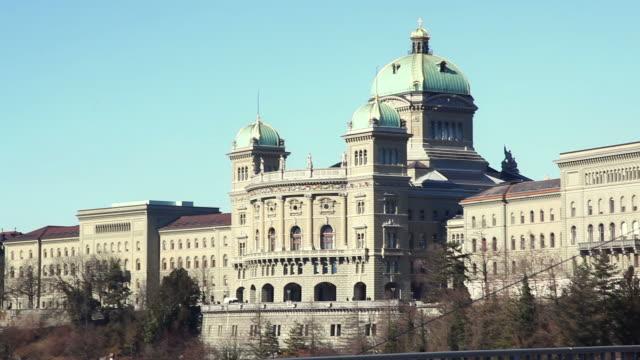 HD: Bundeshaus in Bern Sie mit der Straßenbahn – Video