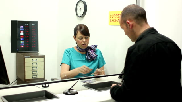 Bureau de change - Currency exchange in pounds video
