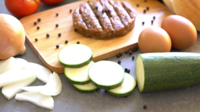 burger ingredient video