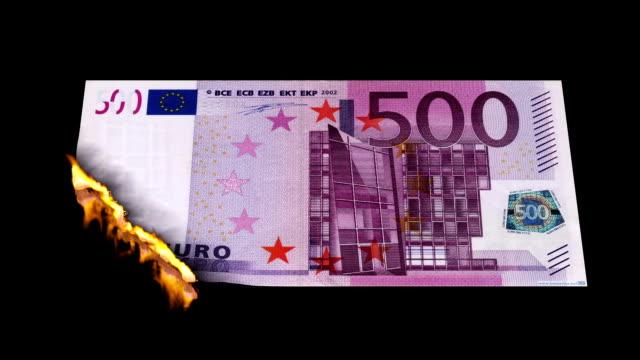 verbrennen-euro-schein - euros cash stock-videos und b-roll-filmmaterial