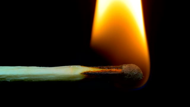 brinnande match och flamma - släcka bildbanksvideor och videomaterial från bakom kulisserna