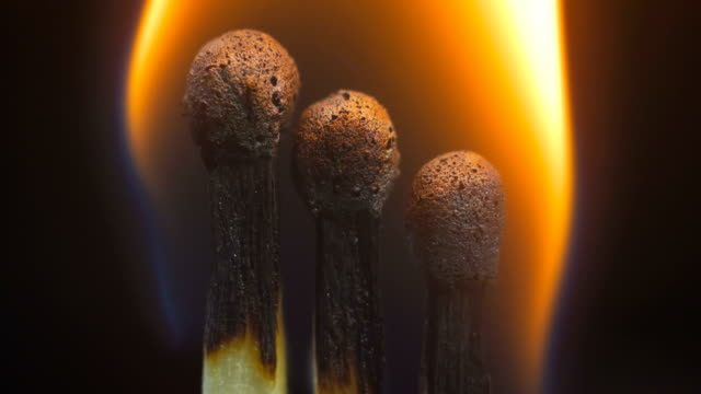 vídeos de stock e filmes b-roll de burning wooden matches - três objetos