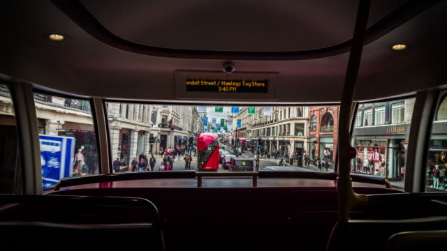 pov: busfahrt durch die regent street in london - bus stock-videos und b-roll-filmmaterial