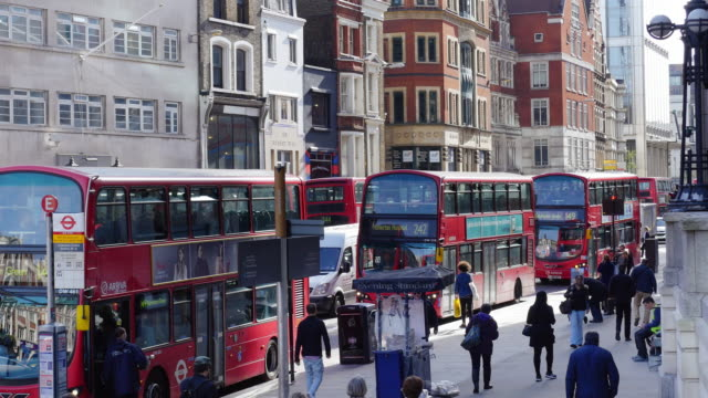 Bus Stop In London Bishopsgate (UHD) Real time shot made in Ultra High Definition bus stop stock videos & royalty-free footage