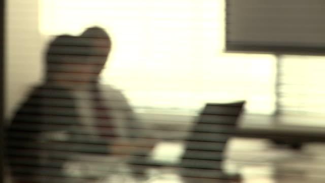 vídeos de stock e filmes b-roll de fundo de negócios - office background