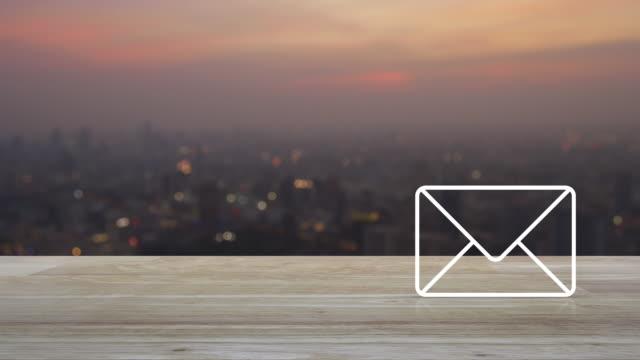 business contact us online concept - e mail filmów i materiałów b-roll