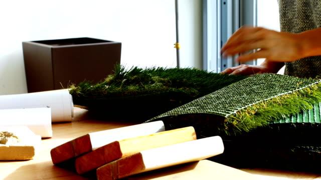 業務行政檢查人造草坪 - 人造的 個影片檔及 b 捲影像