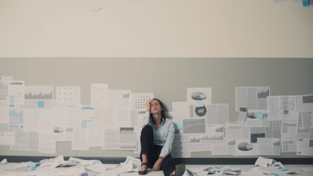 Business failure and crisis
