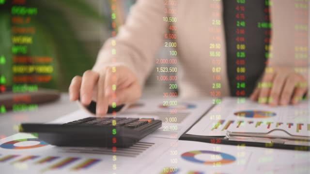 vidéos et rushes de investissement dans le financement des entreprises - book