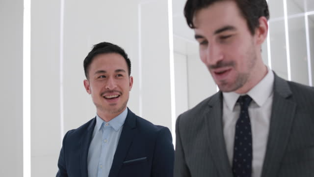 business partners - fianco a fianco video stock e b–roll