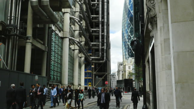 Business People Moving In London City Lime Street (UHD) video