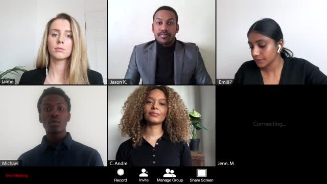 vídeos y material grabado en eventos de stock de 6 persona de negocios que se une a una reunión web - zoom meeting