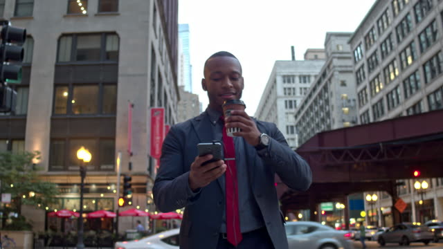 Businessman commuting in Chicago downtown video