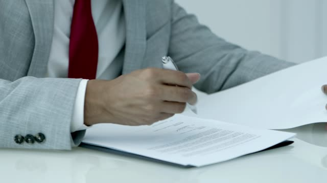 businessman signing contract - firma video stock e b–roll