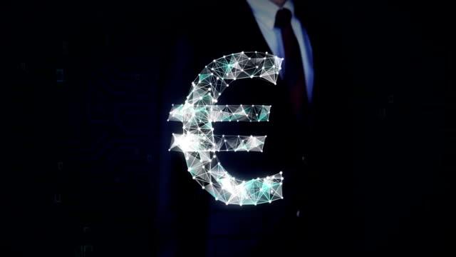 geschäftsmann hat bildschirm berührt, zahlreiche punkte sammeln einer euro-währung-zeichen, low-polygon-web erstellen. - woman and polygon stock-videos und b-roll-filmmaterial