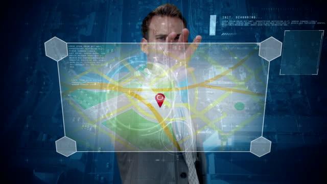 vídeos y material grabado en eventos de stock de hombre de negocios usando mapas contra la ciudad - zoom meeting