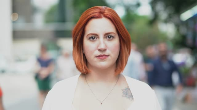 Video Businesswoman portrait at street