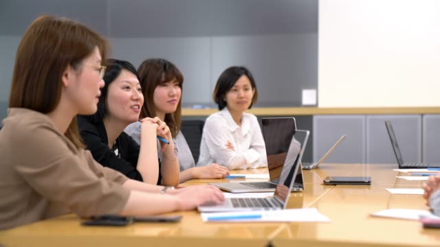 businesswomen のミーティング - 日本人のみ点の映像素材/bロール
