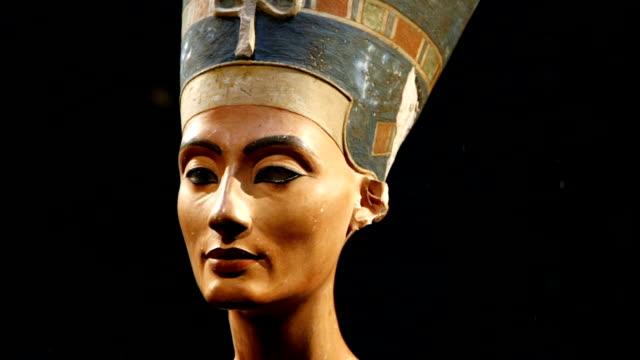 Bust of Nefertiti Head Sculpture