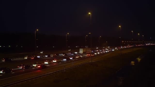 stockvideo's en b-roll-footage met drukke avondverkeer in trafficjam - netherlands map