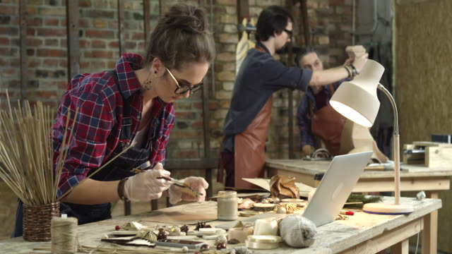 Busy Hipster Workshop video