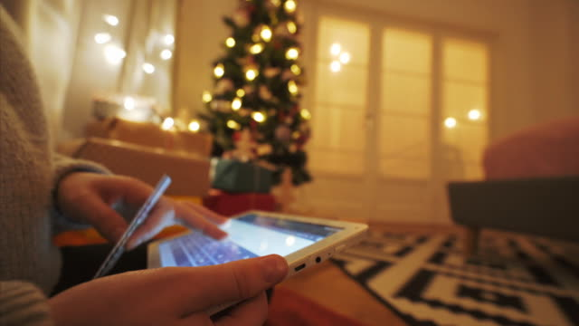 크리스마스 구매을 선물 한다. - holiday 스톡 비디오 및 b-롤 화면