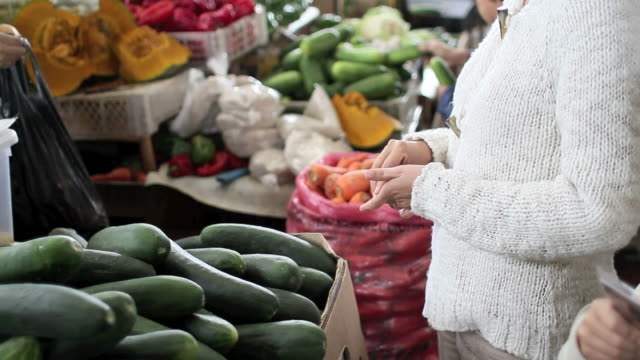 buying vegetables video