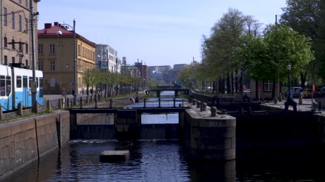 vid floden gota i göteborgs centrum - gothenburg bildbanksvideor och videomaterial från bakom kulisserna