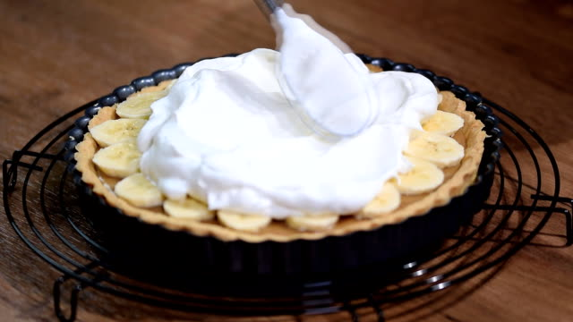 Cake Banoffi with caramel and banana.