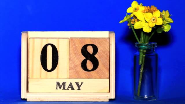 vídeos de stock e filmes b-roll de april calendar - maio