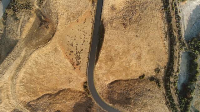 kalifornien feuer straßen und wanderwege - aerial overview soil stock-videos und b-roll-filmmaterial