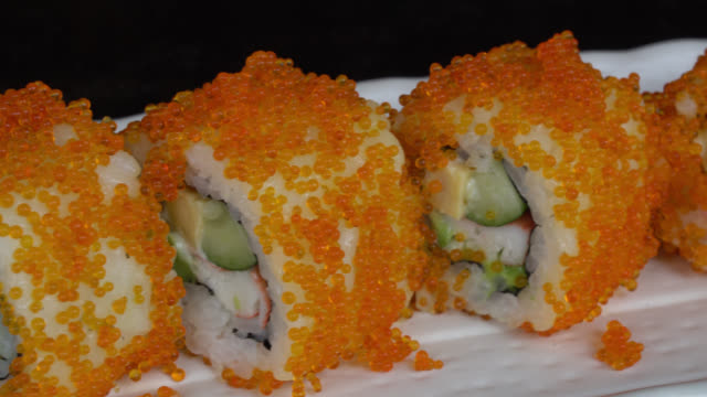 california roll maki - rotolo video stock e b–roll