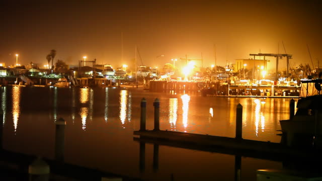 stockvideo's en b-roll-footage met calm harbor at night - pier