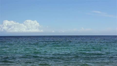 spokojne morze powierzchni - horyzont wodny filmów i materiałów b-roll